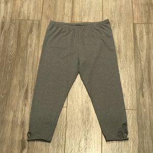 SO XL Capri Cutout Leggings Gray